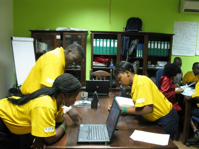 Mozambique students' access to learning with laptops