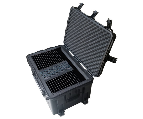 eXpress 32TPortable case for 32 tablets: open shot