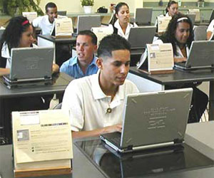 Puerto Rico students in class using laptops
